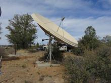 Dish reflector antenna